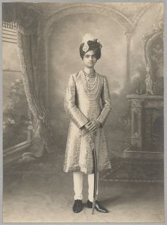 King Of India, Royal Indian, India People, Blue Bloods, Royal Families, Incredible India, Jaipur, Black History, 2 In