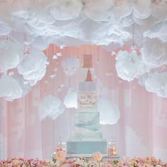 Marble cake set in the clouds! Heaven sent. #lestylemysoirée