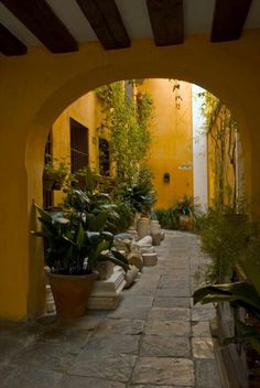 Seville, jewish quarter at Las Casas de la Juderia Hotel. http://www.costatropicalevents.com/en/costa-tropical-events/andalusia/cities/seville.html #casasdecampoandaluzas