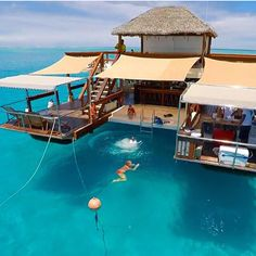 Cloud 9 Fiji; The Cloud Fiji is a floating bar located at the amazing Ro Ro Reef. This piece of awesomeness has – of course- a bar and an Italian wood stove pizzeria. With the surrounding system, chilling on the hanging chairs, sun deck our day beds in the beautiful blue ocean.