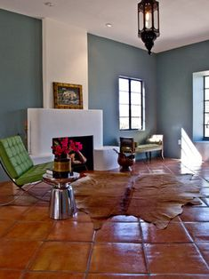 Contemporary Living Room With Saltillo Tiles : Warm And Rustic Saltillo Tiles For Your House inspiration wohnzimmer warm Warm And Rustic Saltillo Tiles For Your House Blue Living Room Decor, Eclectic Living Room, Living Rooms, Terracotta Floor, Warm Home Decor, Contemporary Bedroom, Contemporary Building, Contemporary Cottage, Contemporary Apartment
