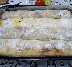 Egyszerű, gyors sodort rétes, ami kezdőknek is sikerül! - BlikkRúzs Hungarian Recipes, Hot Dog Buns, French Toast, Food And Drink, Bread, Breakfast, Erika, Gastronomia, Pastry Recipe