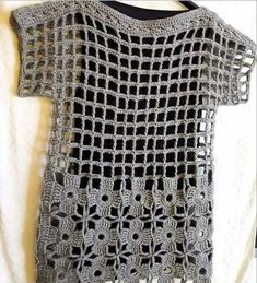 Most popular and Amazing Crochet Top Pattern Ideas of 2019 and 2020 - Page 38 of 55 Filet Crochet, Diy Crochet, Crochet Stitches, Crochet Tops, Crochet Shirt, Crochet Jacket, Knitting Patterns, Crochet Patterns, Crochet Woman