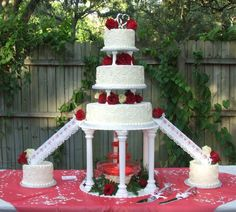 Elegant Wedding Cakes With Fountains – 1 Faith & Ashaureon Jarell Bonds weddin… – Beautiful Wedding Cake Designs Fancy Wedding Cakes, Fruit Wedding Cake, Floral Wedding Cakes, Wedding Cake Rustic, Beautiful Wedding Cakes, Wedding Cake Designs, Wedding Cake Toppers, Lace Wedding, Wedding Ideas