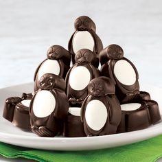 Dark Chocolate Mint Penguins #christmascandy #chocolatetreats #darkchocolate #cutetreats
