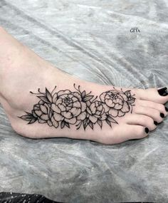 ideas tattoo foot disney for 2019 – best image for foot tattoos geometric … – foot tattoos for women flowers Sunflower Foot Tattoos, Floral Foot Tattoo, Sunflower Tattoo Sleeve, Sunflower Tattoo Shoulder, Tattoos Skull, Black Ink Tattoos, Rose Tattoos, Body Art Tattoos, Print Tattoos