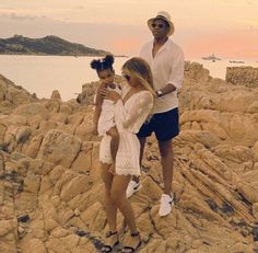 The Carters, Beyonce and Jay Z with Blue 2015