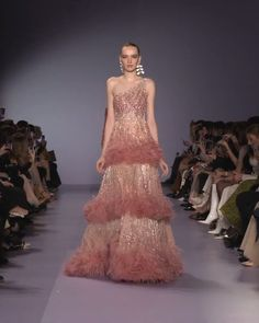 Embellished One Shoulder A-Lain Evening Maxi Dress / Evening Gown with a small Train. Runway Show by Georges Hobeika. Evening Gowns Couture, Designer Evening Gowns, Haute Couture Dresses, Haute Couture Fashion, Evening Dresses, Juicy Couture, Beautiful Evening Gowns, Beautiful Dresses, Look Fashion