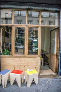 Ten Belles: International Coffee in Paris - Remodelista Café Restaurant, Restaurant Design, Coffee Shop Design, Cafe Design, Design Room, Nordic Interior, Cafe Interior, Interior Design, Coffee In Paris