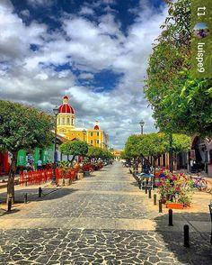 #Follow @luispe9: La Calzada #Granada #Nicaragua #ILoveGranada #AmoGranada #Travel #CentralAmerica #GranadaNicaragua
