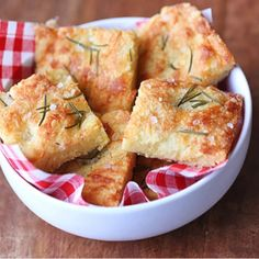 Wonderful keto focaccia is made with modified Fathead dough. It is delicious, ve. - Wonderful keto focaccia is made with modified Fathead dough. It is delicious, very satiating, and a - Low Carb Recipes, Diet Recipes, Snack Recipes, Healthy Recipes, Snacks, Recipes Dinner, Bread Recipes, Ketogenic Recipes, Healthy Meals