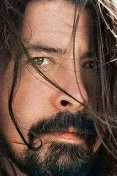 Dave ♡ Love his music! Foo Fighters Dave Grohl, Foo Fighters Nirvana, There Goes My Hero, Taylor Hawkins, Pat Smear, Rock Legends, Music Stuff, Music Pics, Music Is Life