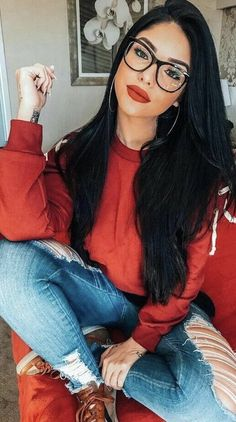Glasses and beautiful makeup Inspirational ladies - . - Glasses and beautiful makeup Inspirational ladies – … – glasse - Cute Glasses, Girls With Glasses, Ladies Glasses, Womens Glasses Frames, Lunette Style, Fashion Eye Glasses, Makeup With Glasses, Foto Casual, Wearing Glasses