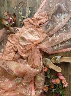 Lehenga, Sarees, Peach Saree, Stylish Blouse Design, Organza Saree, Blouse Neck Designs, Saree Dress, Work Blouse, Beautiful Lights