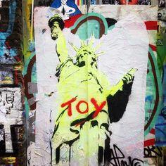 #streetart #streetartlondon #londonstreetart #shoreditchstreetart #urbanart #graffiti #jpmalot @jpmalot #statueofliberty #toy by syszygy from Shoreditch feed from Instagram hashtag #shoreditch  www.justhype.co.uk Hype Store - Boxpark Shoreditch.