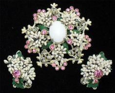 Gorgeous RARE Vintage Florenza Set Brooch Pin Earrings Dimensional http://www.ebay.com/itm/Gorgeous-Rare-Vintage-FLORENZA-SET-Brooch-Pin-Earrings-Dimensional-/181121211538?pt=Vintage_Costume_Jewelry=item2a2baa5c92