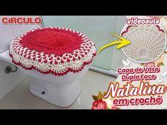 Capa de Vaso Dupla Face Natalina em Crochê - YouTube Carla Cristina, Crochet Hats, Youtube, Crochet Carpet, Sunflower Bathroom, Crochet Vase, Knitting Hats, Youtubers, Youtube Movies