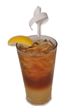 #Strong Island Tea recipe. Ingredients: 0.5 oz Vodka 0.5 oz Rum 0.5 oz Gin 0.5 oz Tequila 0.5 oz Triple sec 1 oz Sweet and sour Splash of coke  In a pint glass, mix all ingredients together. Shake and pour. Garnish with a lemon wedge. #BBKing #Drinks
