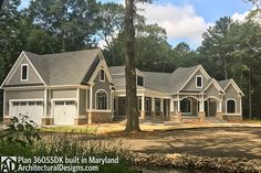 Plan Split Bed Craftsman with Angled Garage House Rooms Luxury House Rooms iDeas Craftsman Exterior, Craftsman Style House Plans, Ranch House Plans, New House Plans, Dream House Plans, Modern House Plans, House Floor Plans, Craftsman Houses, Dream Houses
