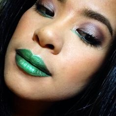 Purple and Green:Complementary Colors. Green lips.