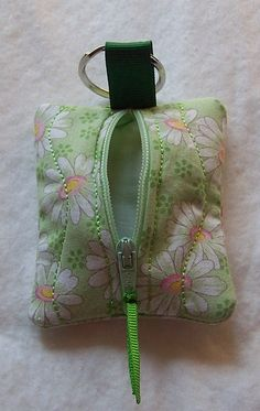 Keychain Zip Purse Coin Purse Small Items by GabbysQuiltsNSupply, *inspiration* 14cmx7cm