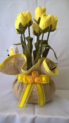 Paper Flowers Diy, Felt Flowers, Flower Crafts, Fabric Flowers, Burlap Crafts, Felt Crafts, Fabric Crafts, Paper Crafts, Flower Arrangements Simple
