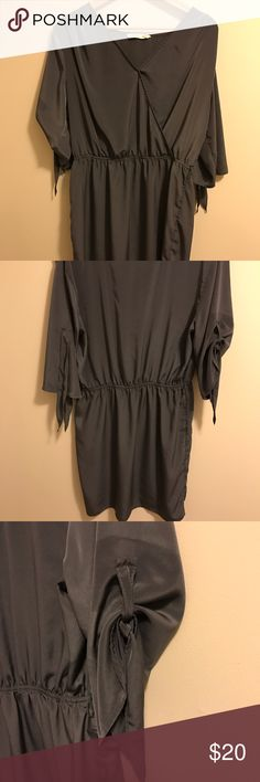 Grey Old Navy Dress with Tie Sleeves Grey Old Navy dress with fun tie sleeve detail. Hits mid thigh. Slight sheen to fabric - very nice. Old Navy Dresses Mini
