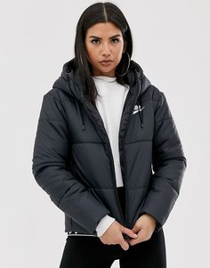 Buy Nike black padded jacket at ASOS. With free delivery and return options (Ts&Cs apply), online shopping has never been so easy. Get the latest trends with ASOS now. Nike Coats, Women's Coats, Asos, Nike Winter Jackets, Nike Jackets For Women, Puffer Coat With Hood, Black Puffer Coat, Women's Puffer, Girl Clothing