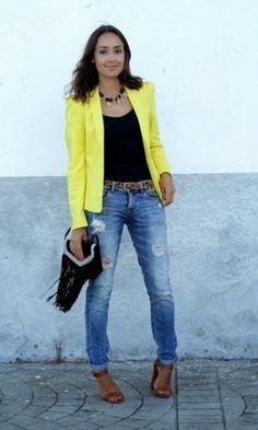 Look com Blazer Amarelo + Franjas