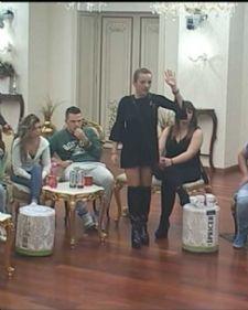 Produkcija rijalitija Parovi odlučila je da kazni učesnike ovog šou programa, i to sve zbog jedne takmičarke, Mirjane Praizović.
