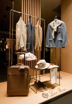Visual Merchandising - Loro Piana Windows 2015 Spring, Paris – France I like the simplicity in this.