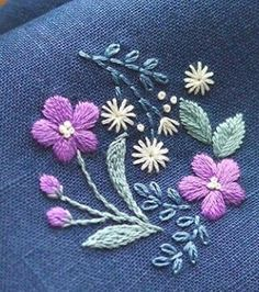 Hand Embroidery Designs, Embroidery Applique, Cross Stitch Embroidery, Embroidery Patterns, Sewing Patterns, Small Flower Design, Learning To Embroider, Sewing Hacks, Needlework