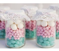 Lolly jars as party favours Unique Wedding Souvenirs, Unique Weddings, Vintage Weddings, Lolly Jars, Lolly Buffet, Bar Deco, Paper Doilies, Candy Jars, Glass Jars
