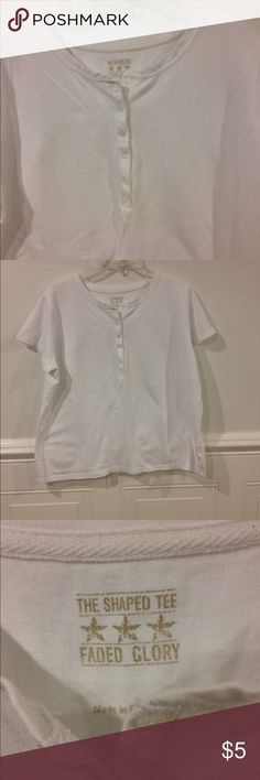 Faded Glory XL shaped Tee good condition Size XL Faded Glory shaped Tee good condition Faded Glory Tops Tees - Short Sleeve