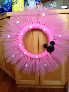 12 Minnie Mouse or Mickey Mouse tulle wreath. The perfect addition to the special party of kids room decor. Minnie Mouse Theme, Minnie Mouse Baby Shower, Mickey Minnie Mouse, Minnie Birthday, 1st Birthday Parties, 2nd Birthday, Birthday Ideas, Tulle Wreath, Bow Wreath