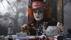 Hatter to Alice (Johnny Depp, Mia Wasikowska)~ 'You used to be much more. You've lost your muchness.'-courtesy Alice in Wonderland.by far the best film version , only Tim Burton could've pulled it off :) Johnny Depp Mad Hatter, Johnny Depp Movies, Alice In Wonderland Party, Adventures In Wonderland, Wonderland Costumes, Film Tim Burton, Chesire Cat, Alice Tea Party, Mia Wasikowska