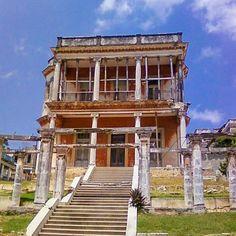 Se Vende Palacio en la Víbora, Habana, Cuba cuba real estate