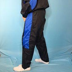 Pvc Trousers, Parachute Pants, Girls Raincoat, Love Aesthetics, Rain Wear, View Photos, Sports, Fashion, Hs Sports