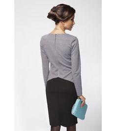 Елегантна рокля с дълъг ръкав в макси размери на топ цена от Fashion Supreme. 140770 - рокля с дълъг ръкав, втален модел, обло деколте, цип при гърба, ,...