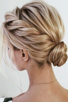 Homecoming Hairstyles For Short Hair - Hair styles - Amigurumi , Crochet , Knitting Prom Hairstyles For Short Hair, Braids For Short Hair, Easy Hairstyles, Bob Hair Updo, Semi Formal Hairstyles, Messy Braids, Easy Elegant Hairstyles, Hairstyle Ideas, Dancer Hairstyles