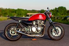 WHOLE LOTTA LOVE. Schlachtwerk's 'Big Bertha' Naked Kawasaki Zephyr 750 - Pipeburn.com