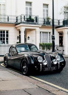 lunaz electrifies classic luxury cars for our future roads - My list of the best classic cars Mercedes Classic Cars, Jaguar Xk120, Benz G, Remo, Automobile, Electric Cars, Exotic Cars, Vintage Cars, Retro Cars