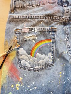 Painted Jeans rainbow 2019 I love rainbows and I just had to paint this on my jeans! The post Painted Jeans rainbow 2019 appeared first on Denim Diy. Rainbow Drawing, Rainbow Painting, Rainbow Outfit, Rainbow Fashion, Rainbow Clothes, Rainbow Shoes, Diy Jeans, Painted Jeans, Painted Clothes