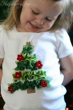 Huckleberry Love: Ribbon Christmas Tree Shirt {Tutorial}