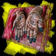 detailed henna body art painting #4