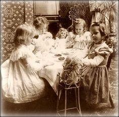 Primarily Primitives by abigailes_mommy: More Vintage Children Photos