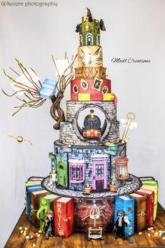 Harry Potter Big cake – cake by Cindy Sauvage - birthday Cake Ideen Harry Potter Desserts, Gateau Harry Potter, Cumpleaños Harry Potter, Harry Potter Birthday Cake, Harry Potter Wedding Cakes, Big Cakes, Crazy Cakes, Birthday Cakes For Teens, Cake Birthday