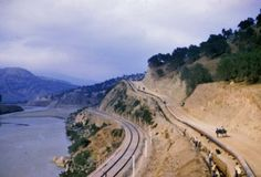 La vallée de la Soumamm en aval de Sidi Aïch. - next picture