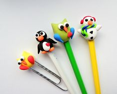 FIMO Polymer Clay Animals, Fimo Clay, Pen Toppers, Diy And Crafts, Arts And Crafts, Art Classroom, Pencil, Crafty, Classroom Promise