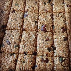 I love flapjacks because you have the chance to customise them very easily to your taste buds. This recipe mixes up the sweet with the nutritious very well. Baking Recipes, Real Food Recipes, Cake Recipes, Rachel Allen, Smoothie Recipes, Drink Recipes, Recipe Mix, Brownie Bar, Granola Bars